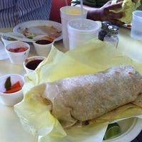 Foto tirada no(a) JV's Mexican Food por Renah S. em 8/22/2011
