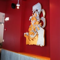 Photo taken at Chipotle Mexican Grill by Keisha R. on 8/7/2011