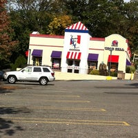 Photo taken at Taco Bell by Ernie A. on 10/16/2011