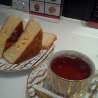 Photo taken at フォション タカシマヤフードメゾンおおたかの森店 by M S. on 12/11/2011