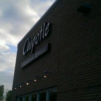 Photo taken at Chipotle Mexican Grill by Dennis C. on 10/12/2011