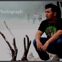 Photo taken at Indomaret Sono Sewu by Okta B. on 3/6/2011