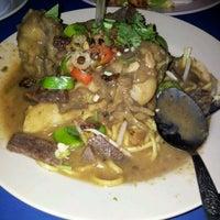 Photo taken at Restoran ZZ Sup Tulang by Yana H. on 4/12/2012