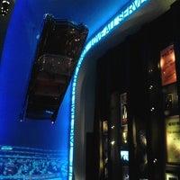 Photo taken at Hard Rock Cafe Lisbon by Pausa P. on 11/26/2011