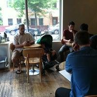 Foto tirada no(a) Cafe Grumpy por Joanna S. em 8/28/2011