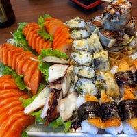 Foto tirada no(a) Musashi Culinária Japonesa por Matheus C. em 11/12/2011