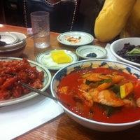 รูปภาพถ่ายที่ Hyo Dong Gak โดย Layla K. เมื่อ 11/17/2011