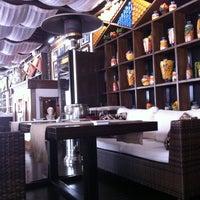 Снимок сделан в Moscow cafe-room пользователем Maximilian C. 7/29/2012