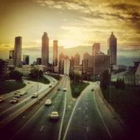 Foto tomada en Jackson Street Bridge por Joe M. el 3/25/2012