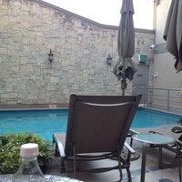 Foto scattata a Aliana Hotel & Suites da Fernando V. il 7/24/2012
