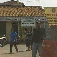 Photo taken at Pasar Way Halim by Ichan R. on 4/29/2012