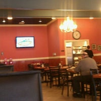 Photo taken at 125 North Main Restaurant by HC Wellness Center A. on 2/1/2012