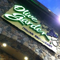 Photo taken at Olive Garden by Hilary F. on 7/24/2011