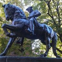Foto tirada no(a) Paul Revere Statue por Rob R. em 11/8/2011