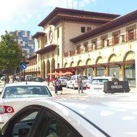 Foto diambil di Estación de Oviedo oleh Iván S. pada 9/3/2012