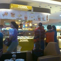 Photo taken at J.Co Donuts & Coffee by Dimas G. on 6/17/2012