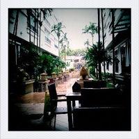 Photo taken at Tara Angkor Hotel Breakfast Lounge by Joaqy Y. on 10/15/2011