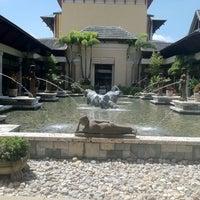 Photo taken at Loews Royal Pacific Resort at Universal Orlando by Tamara H. on 9/2/2011