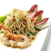 Photo taken at Osha Thai Restaurant & Bar by Brian B. on 9/8/2011
