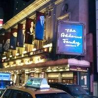 Foto diambil di Lunt-Fontanne Theatre oleh Michael G. S. pada 12/27/2011