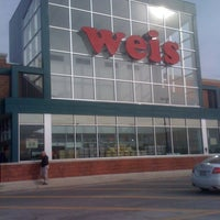Photo taken at Weis Markets by Steve H. on 12/31/2010