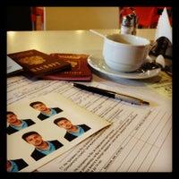 Снимок сделан в УФМС России по СПб и ЛО отдел оформления заграничных паспортов пользователем Кирилл С. 9/11/2012