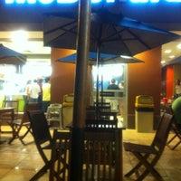 รูปภาพถ่ายที่ McDonald's โดย Andr? M. เมื่อ 1/22/2012
