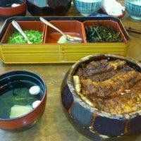 11/13/2011にToshi U.があつた蓬莱軒 神宮店で撮った写真