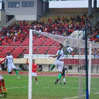 Photo taken at Stadion Manahan by PasoepatiNet on 1/26/2012