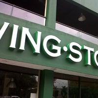 Foto tirada no(a) Wingstop por Ivan P. em 8/9/2012