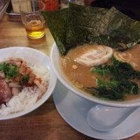 Photo taken at 横浜家系 麺屋 はやぶさ by upk on 3/27/2012