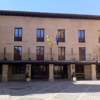 Photo taken at Parador Santo Domingo de la Calzada by Republica d. on 3/5/2012