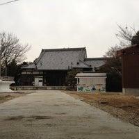 Photo taken at 徳林寺 by yonaki_ya on 2/15/2012