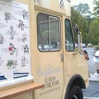 Photo taken at Van Leeuwen Ice Cream Truck by Jian on 8/19/2012