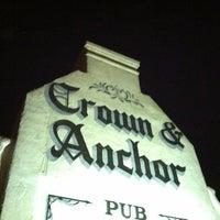 Foto tirada no(a) Crown & Anchor Pub por Cameron C. em 7/16/2012