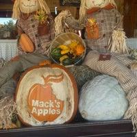 Photo taken at Mack's Apples by WayneNH on 11/5/2011