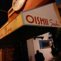 Foto tirada no(a) Oishii por Otávio B. em 10/31/2011