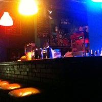 Foto tomada en Polaroid Bar por Renan A. el 2/10/2011