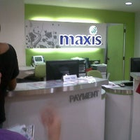 Photo taken at Maxis Exclusive Partner by Abdul Amin A. on 10/13/2011