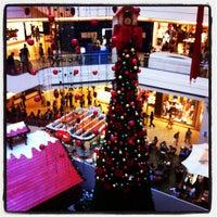 11/10/2011 tarihinde Yuri T.ziyaretçi tarafından Plaza Shopping'de çekilen fotoğraf