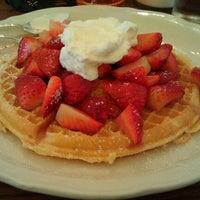 รูปภาพถ่ายที่ The Original Pancake House โดย Ed D. เมื่อ 3/4/2012