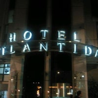 Foto tomada en Hotel Silken Atlántida Santa Cruz por Fundación Ataretaco .. el 10/28/2011