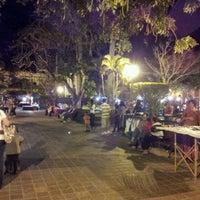 รูปภาพถ่ายที่ Plazuela Machado โดย Gerardo C. เมื่อ 4/22/2012
