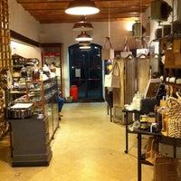 3/5/2011 tarihinde Khaled K.ziyaretçi tarafından Said dal 1923 - Antica Fabbrica del Cioccolato'de çekilen fotoğraf