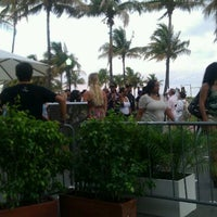 Photo taken at The Pelican Hotel & Cafe by Ask_Demetrice on 5/27/2011