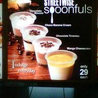 Photo taken at KFC by bin T. on 9/17/2011