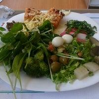 Photo taken at Bambaras Bar e Restaurante by Paulo R. on 3/26/2012