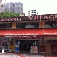 Photo taken at Katong Village by ,7TOMA™®🇸🇬 S. on 9/20/2011