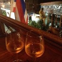 รูปภาพถ่ายที่ Cool Breeze Cafe โดย Irina M. เมื่อ 6/5/2012