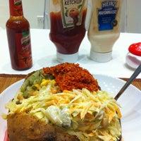 5/5/2012 tarihinde Ismail Y.ziyaretçi tarafından Vabi Waffle & Kumpir House'de çekilen fotoğraf